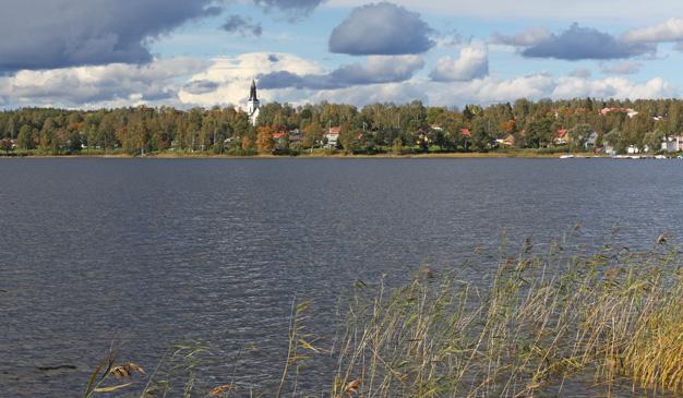 Skinnskatteberg och sjön Nedre Vättern.